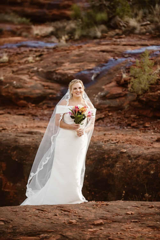 sedona-elopement-bride
