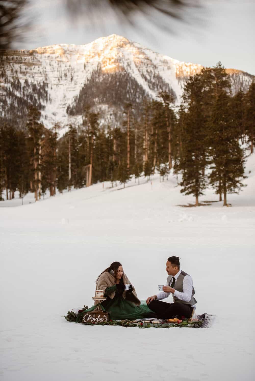 winter-mountain-elopement