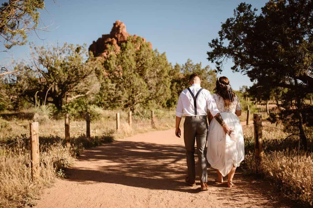 bell-rock-hiking-elopement