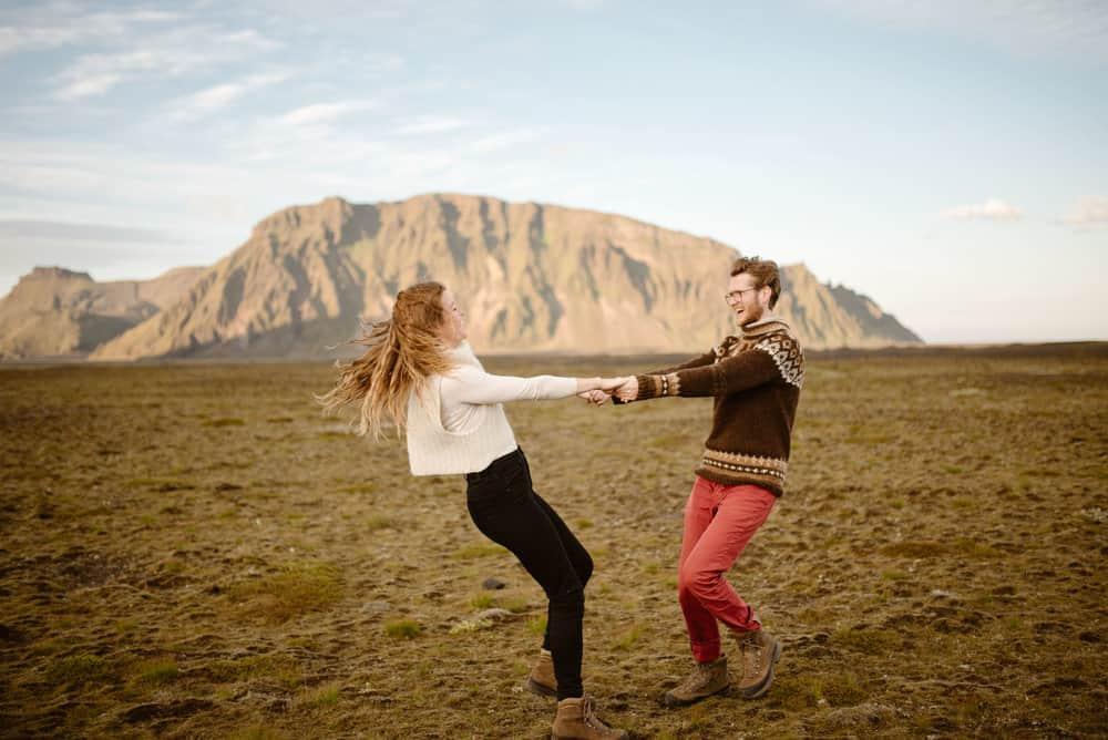iceland-engagement-photo