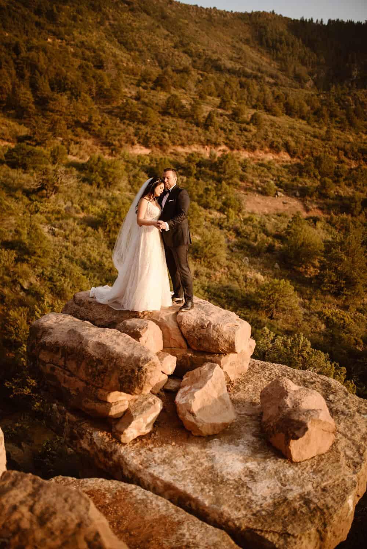 Merry-go-round-elopement-photographer