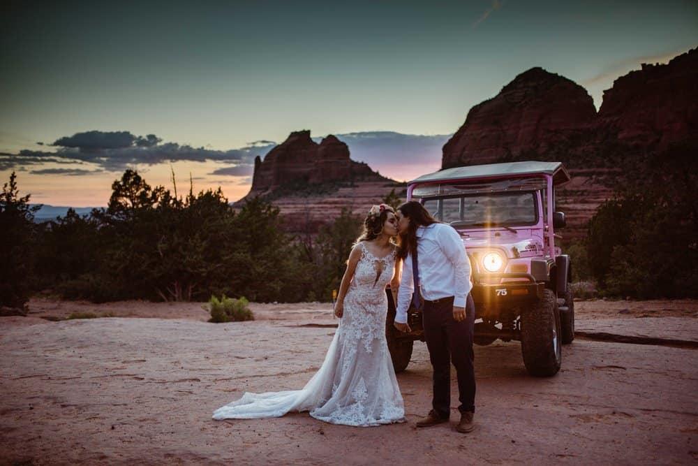 pink-jeep-tour-elopement-photographer
